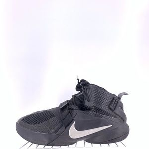Nike LeBron Solider IX Kids Size 7